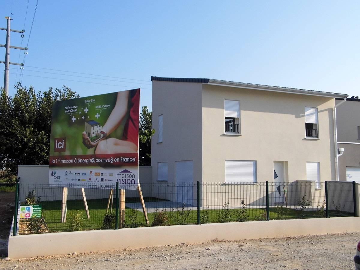 Construction d'une maison bioclimatique à énergie positive, à Bourg-lès-Valence