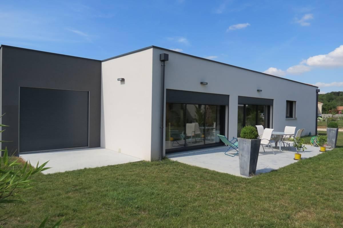 Maison contemporaine neuve de plain-pied à Etoile-sur-Rhône, proche de Valence