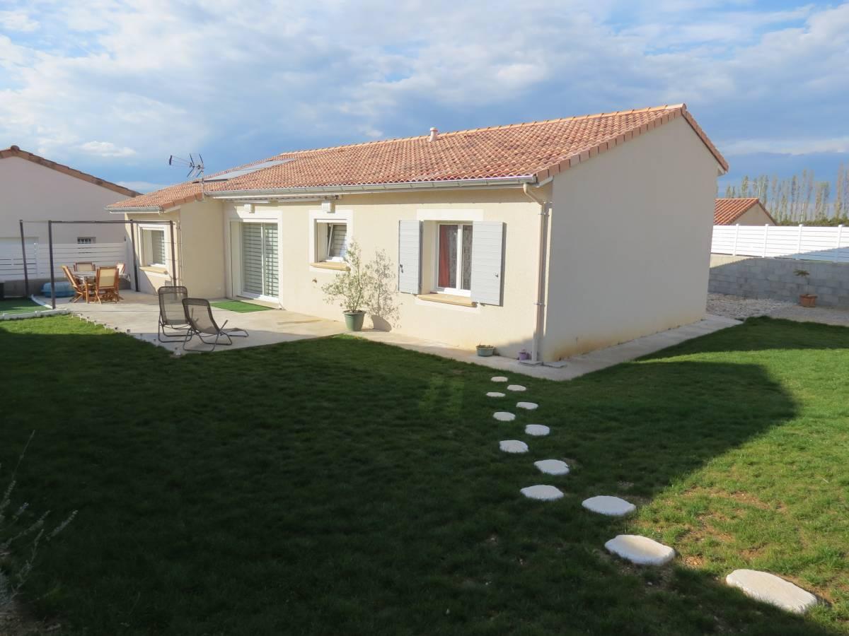 Proche de Valence, construction d'une maison bioclimatique neuve à étage à Etoile-sur-Rhône
