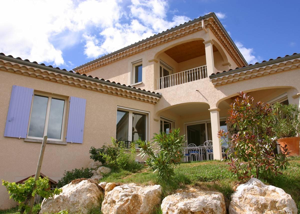 Maison traditionnelle sur-mesure à étage, à Cornas en Ardèche, proche Saint-Péray et Valence